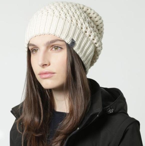 NWOT The North Face Women s Shinsky Knit Beanie. M 5ada75dc3afbbd0cbdfc232b e17f29c94ca